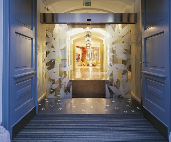 Hotel yasmin prague mccarthy associates for Design hotel yasmin prag